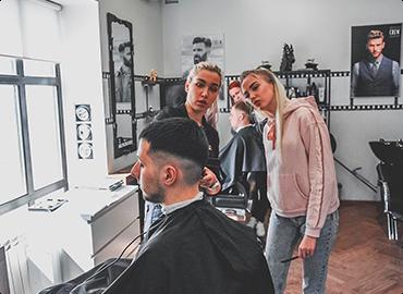 обучение на парикмахера в Омске